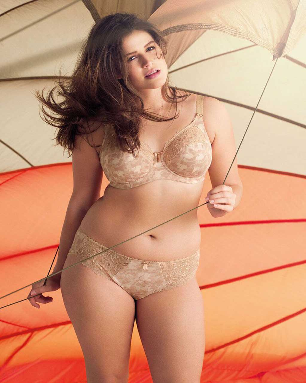 woman wearing plus size lingerie